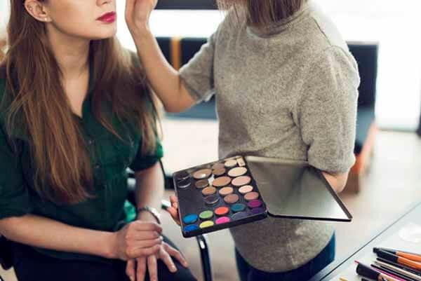 Curso de Maquillaje Gratuito y en línea.